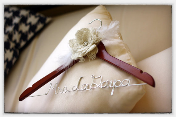 mrs to be, wedding hangers, hangers