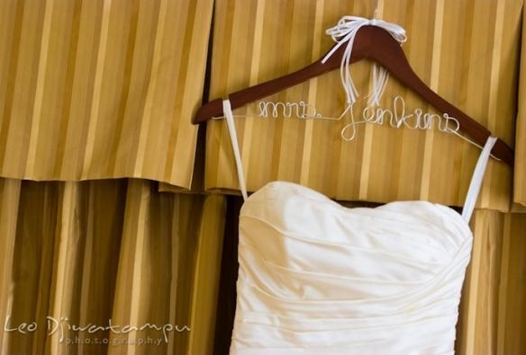 free personalized wedding hanger, wedding hanger, personalized wedding