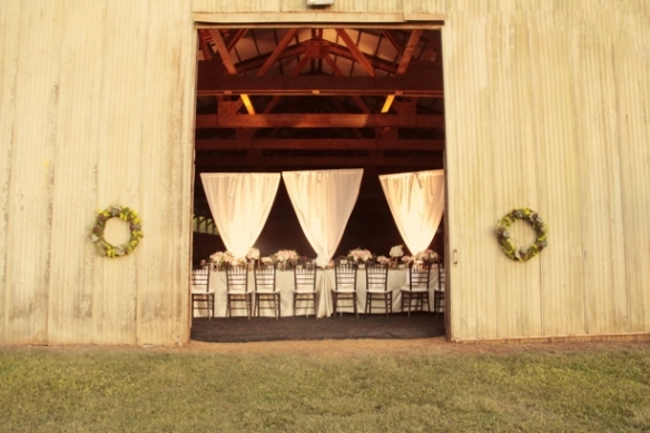 inspiration tuesday, hawaii rustic weddings