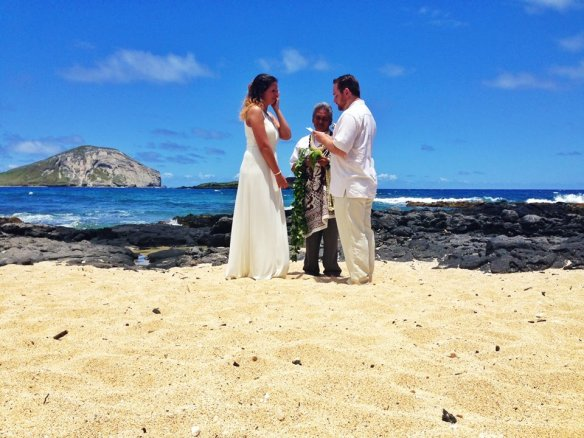 hawaii wedding, oahu wedding, beach wedding, makapuu beach, makapuu beach wedding, bill and emily, best day ever hawaii