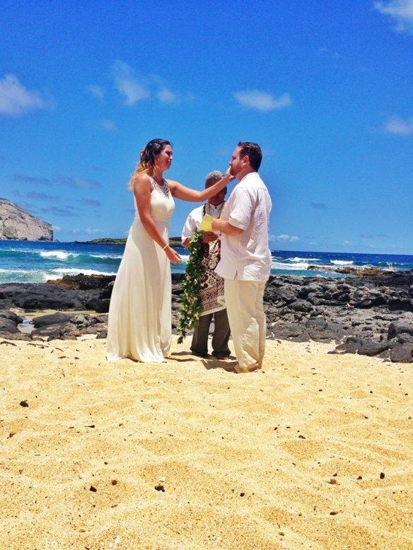 hawaii wedding, oahu wedding, beach wedding, makapuu beach, makapuu beach wedding, bill and emily, best day ever hawaii