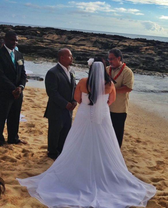 hawaii wedding, oahu wedding, beach wedding, paradise cove beach, paradise cove beach wedding, paul and julie, best day ever hawaii