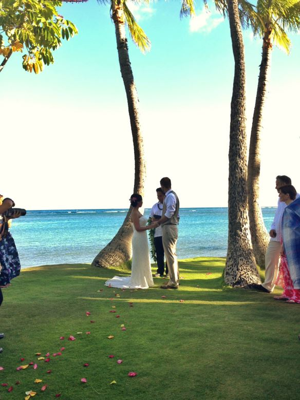 best day ever hawaii, hawaii wedding, oahu wedding, hawaii beach wedding, oahu beach wedding, kahala beach, kahala beach wedding, aaron and monica