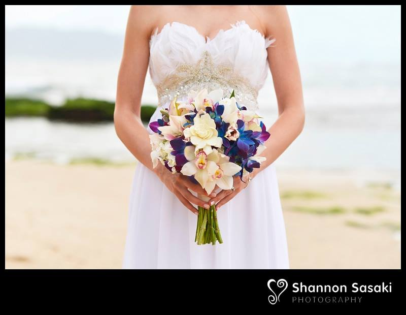 Personalize Your Hawaii Wedding Tossing The Bouquet Alternatives