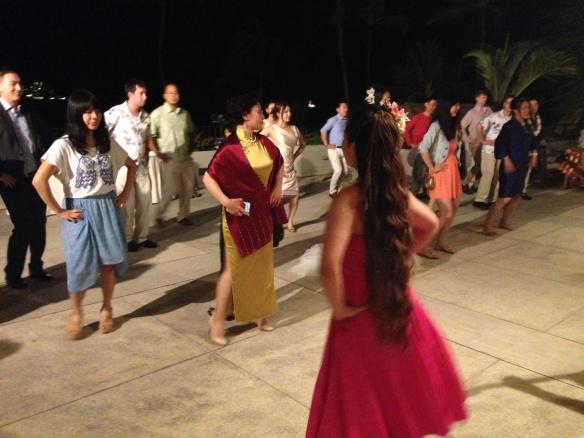 halekulani hau terrace wedding, hawaii beach wedding, Irene and Yizhao, oahu beach wedding, waimanalo bay beach wedding, Waimanao Beach Wedding